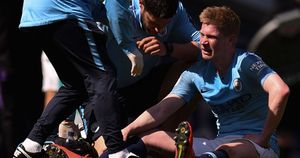 Worrying sign for Manchester City as Kevin De Bruyne is forced off injured