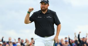 Shane Lowry celebrates his birdie on the 15th green