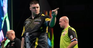 Daryl Gurney defeated Michael van Gerwen (Picture: Lawrence Lustig/PDC)