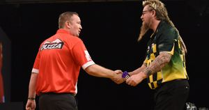 Glen Durrant makes a winning start at the Grand Slam of Darts (Picture: Chris Dean/PDC)