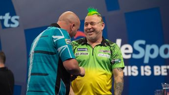 Peter Wright and Rob Cross (Picture: PDC/Lawrence Lustig)