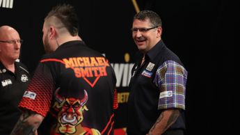 Gary Anderson defeated Michael Smith (Picture: Lawrence Lustig)