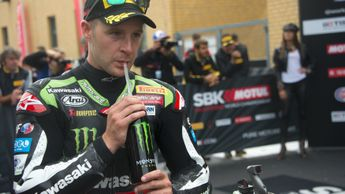 Jonathan Rea claimed victory in Qatar