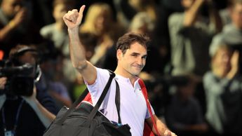Roger Federer says goodbye to the crowd at the O2 Arena