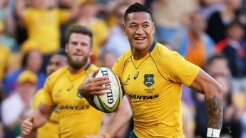 Israel Folau goes in for an Australia try