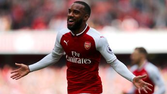 Alexandre Lacazette of Arsenal celebrates