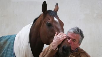 A kiss for The New One from Nigel Twiston-Davies