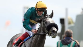 Coronet and Frankie Dettori coast to victory at York