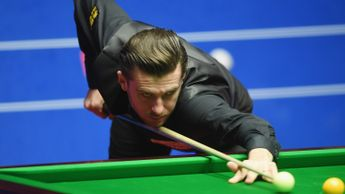 Mark Selby is in the last eight