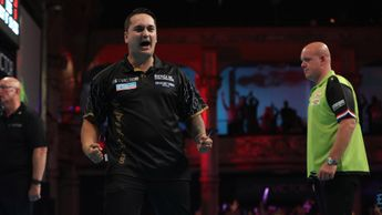 Jeffrey De Zwaan knocks out Michael van Gerwen (Picture: Lawrence Lustig/PDC)