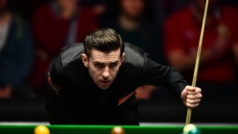 Mark Selby survived a scare in Shanghai