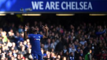 Michy Batshuayi celebrates