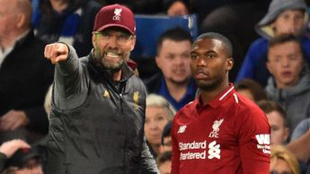 Liverpool manager Jurgen Klopp talks to Daniel Sturridge