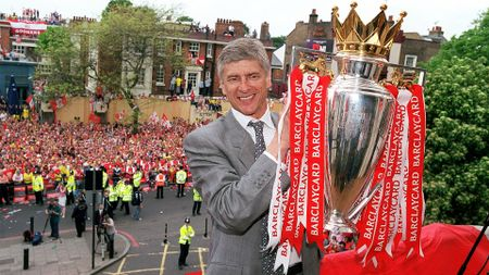 Arsene Wenger with the Premier League trophy in 2004