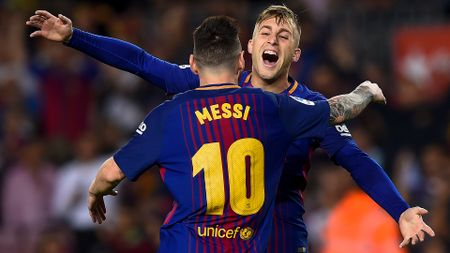 Lionel Messi and Gerard Deulofeu celebrate
