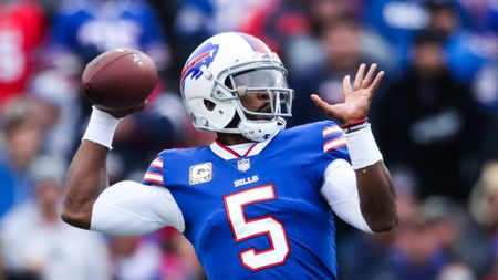 Tyrod Taylor has lost his starting job
