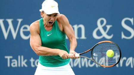 Simona Halep charges through to the final