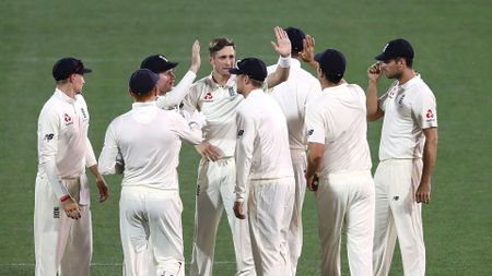 High-fives all round as Woakes is among the wickets