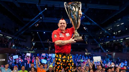Peter Wright wins the German Darts Masters (Picture by Kelly Deckers)