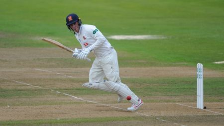 Dan Lawrence has signed a new Essex deal