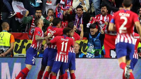 Atletico Madrid celebrate a goal aganst Real Madrid in the Super Cup