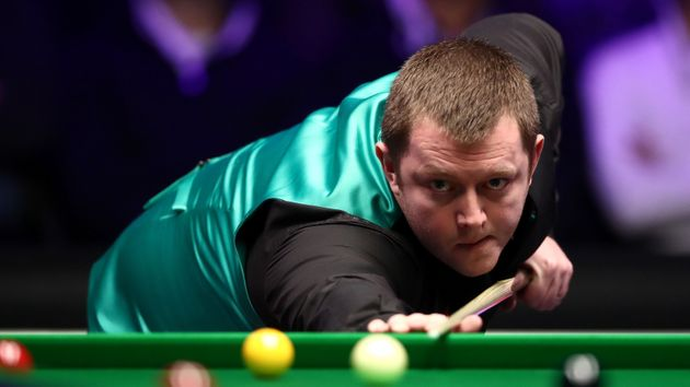 Mark Allen on his way to victory