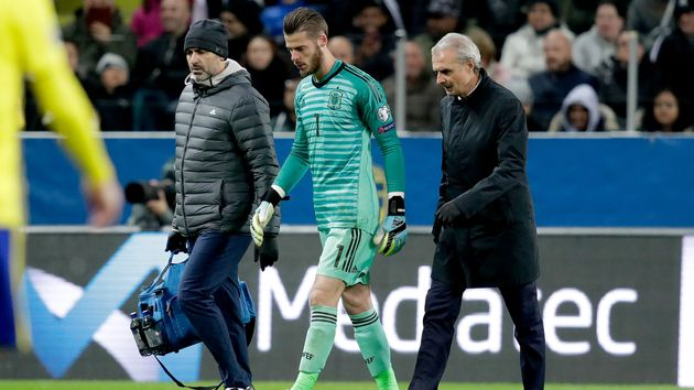 David De Gea: Manchester United goalkeeper limps off in Spain's Euro 2020 qualifier with Sweden
