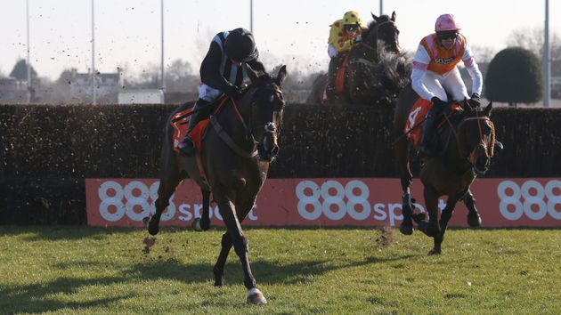 Bags Groove wins the Pendil at Kempton
