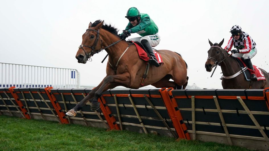 Colonial Dreams (right) chases home Ballymoy at Ascot