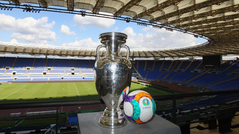 Euro 2020 trophy and match ball