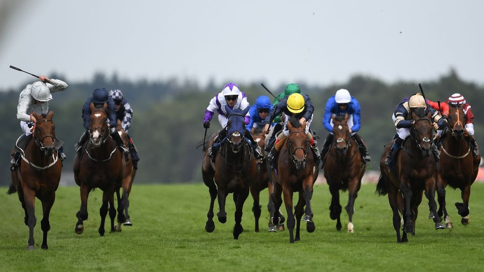 Permian (l) leads the field in the King Edward VII Stakes