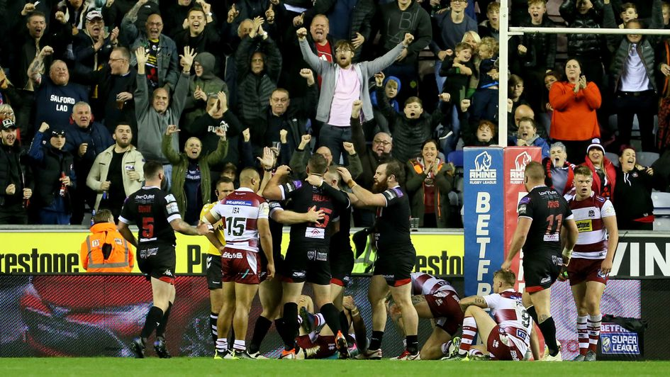 Salford celebrate Joey Lussick's try in the final eliminator with Wigan