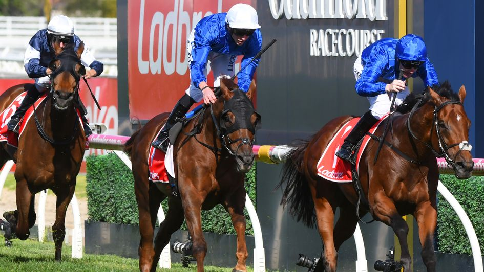 Benbatl leads home a Godolphin one-two