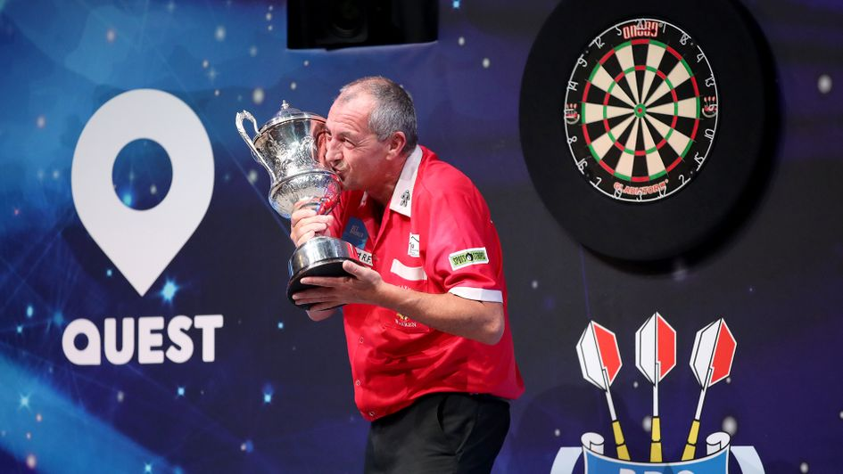 Wayne Warren: The oldest darts world champion in history