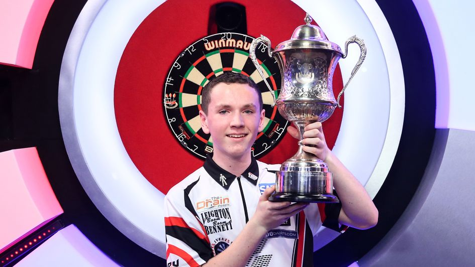 Leighton Bennett becomes the youngest ever BDO World Youth champion (Picture: Tip Top Pics/Chris Sargeant)