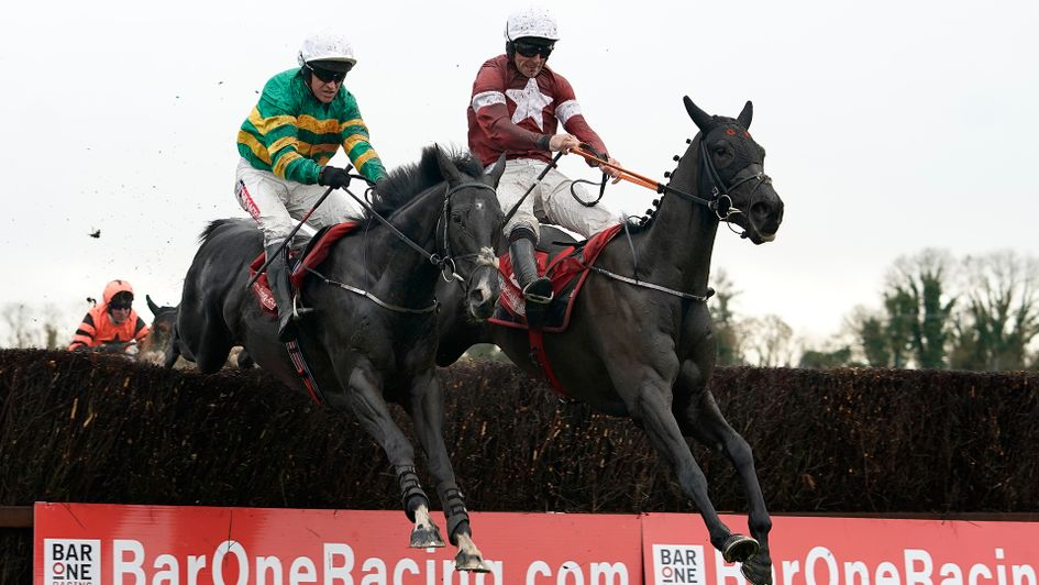 Delta Work (right) jumps in front of Le Richebourg