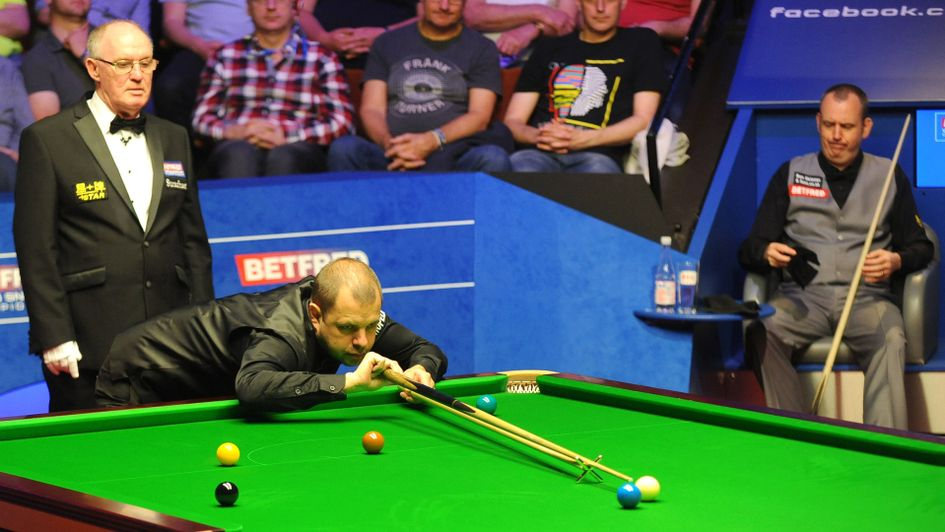 Barry Hawkins at the table