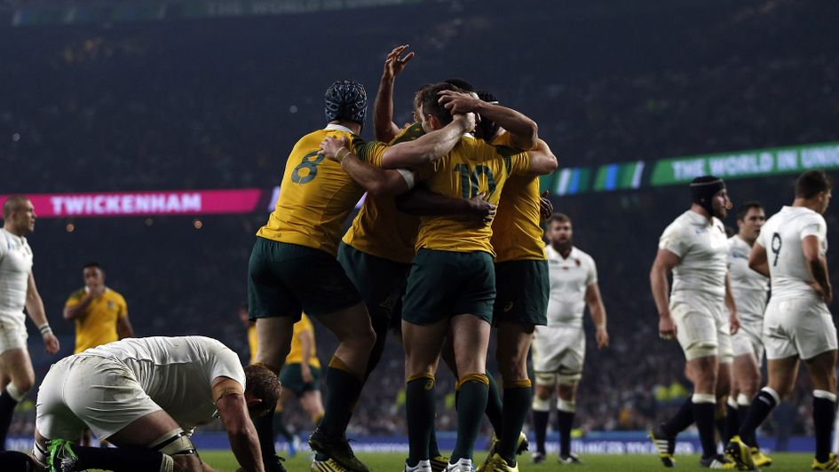 Australia beat England at Twickenham in the 2015 World Cup pool stage