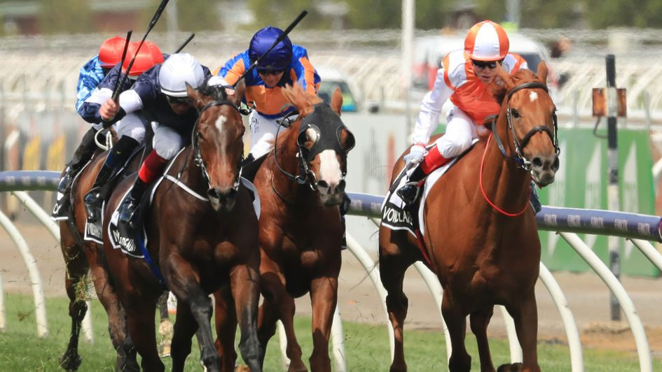 Vow And Declare gets up to win the Melbourne Cup