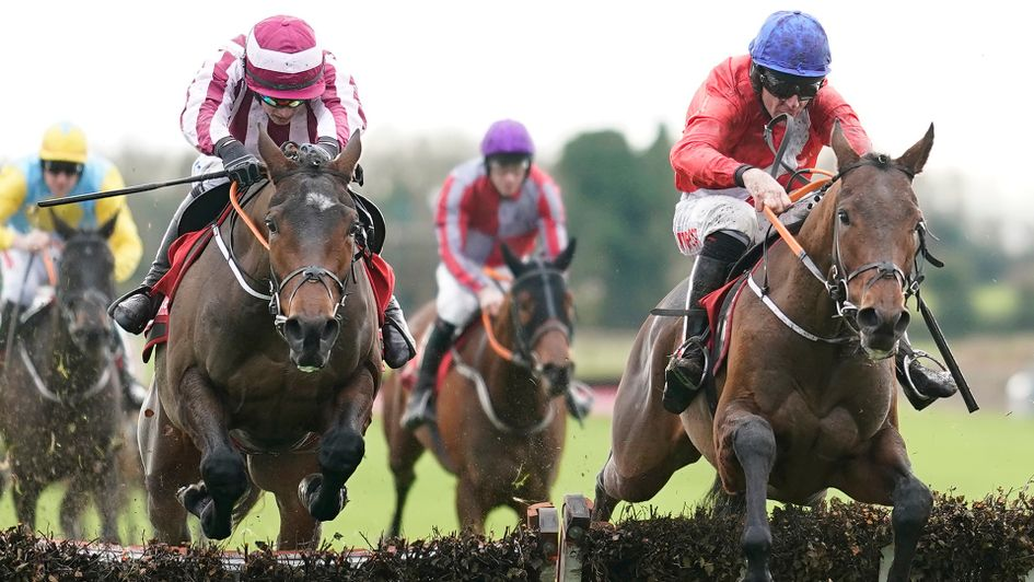 Chief Justice (right) jumps to victory under Davy Russell