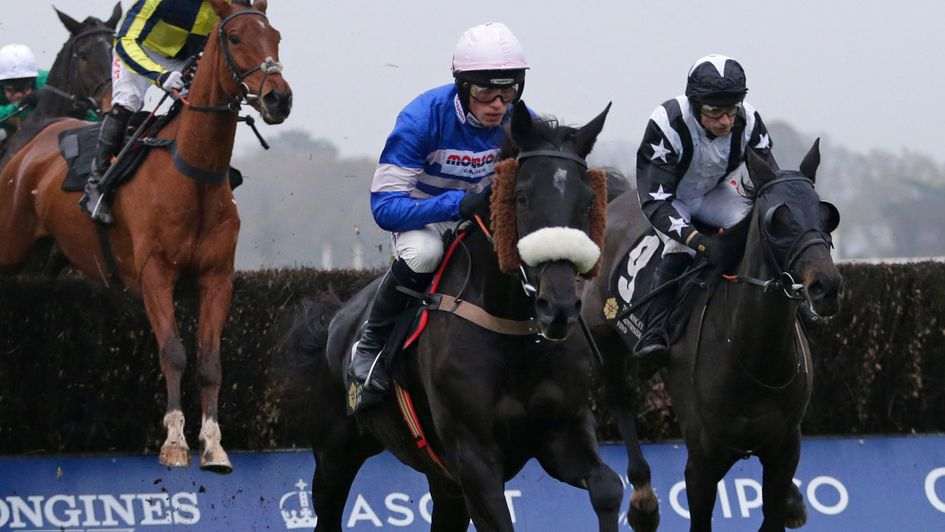 Favorito Buck's on his way to winning at Ascot