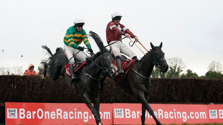 Delta Work and Le Richebourg jumps the last together