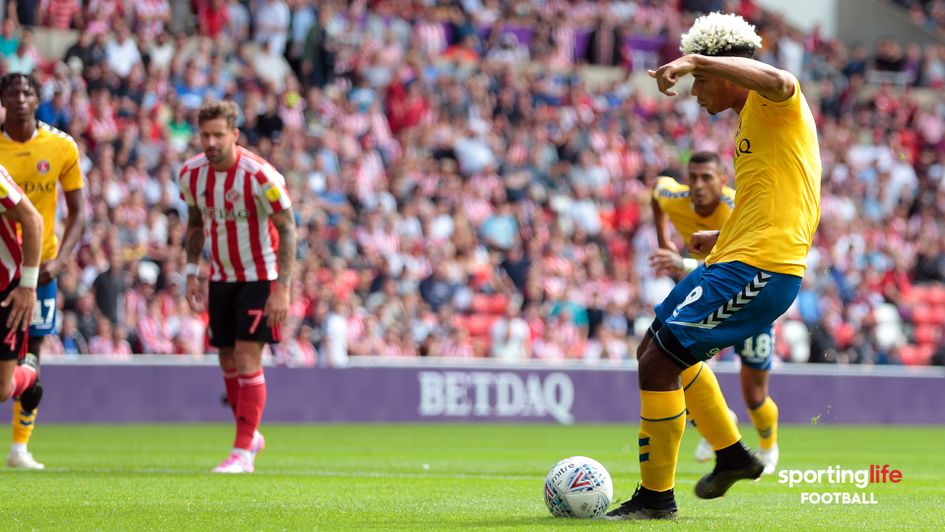 Lyle Taylor scores against Sunderland