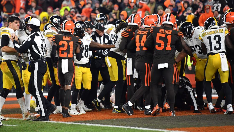 Tempers flare between the Browns and Steelers