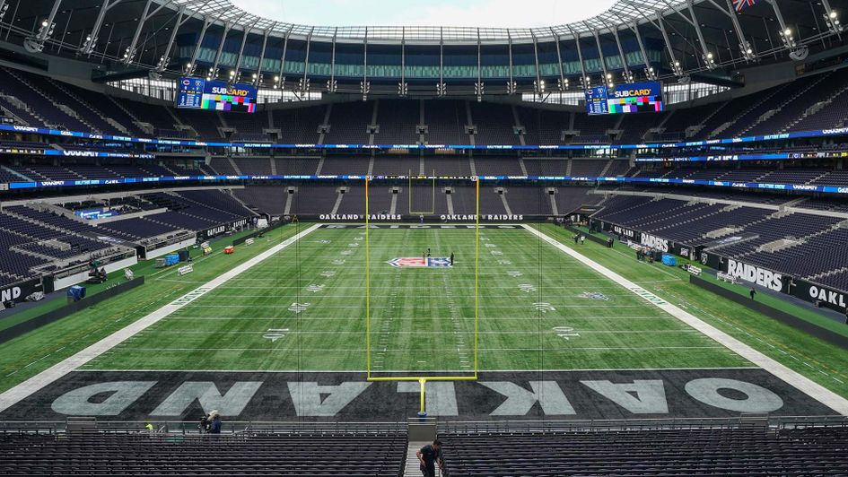Nfl London Games Oakland Raiders Qb Derek Carr Impressed With Tottenham Hotspur Stadium As One Of The Best In The World