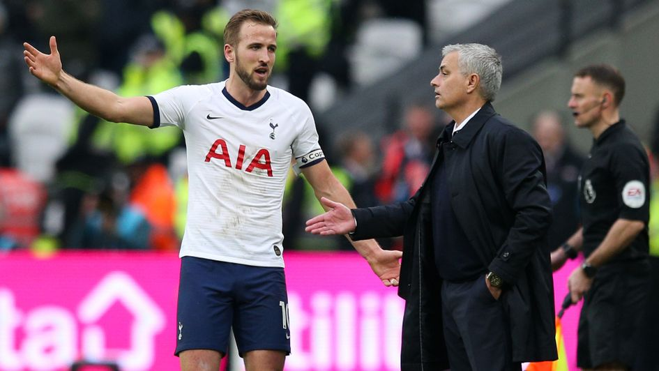 Jose Mourinho in discussion with Harry Kane