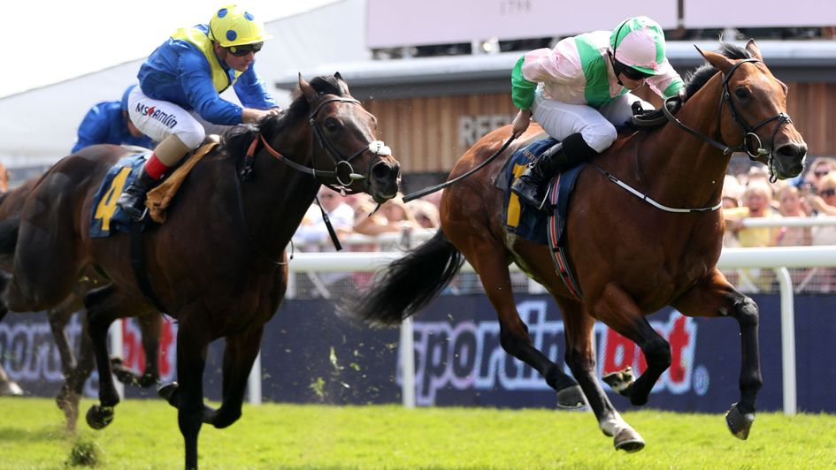 Deauville fends off Poet's Word