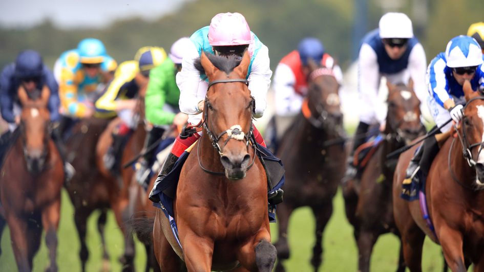 Sangarius and Frankie Dettori win the Hampton Court