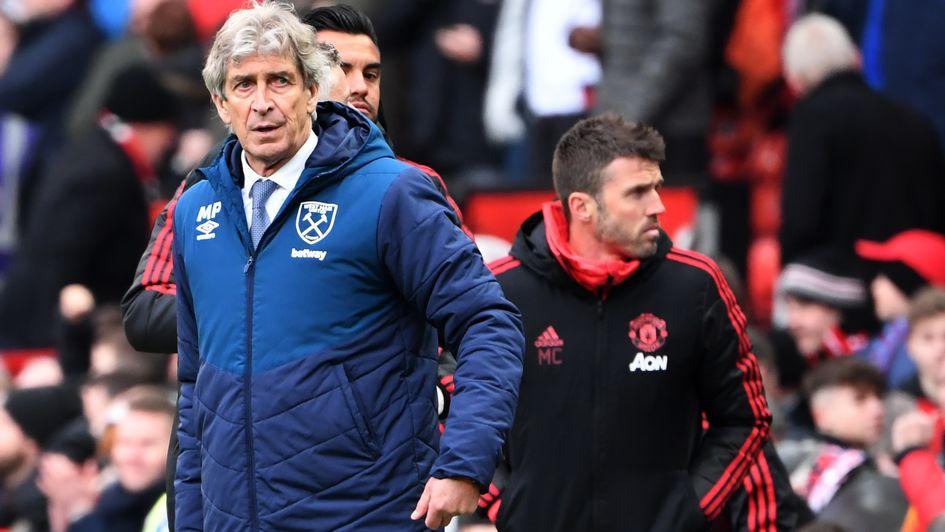 Manuel Pellegrini: Le patron chilien photographié lors de la défaite de West Ham en Premier League contre Man United