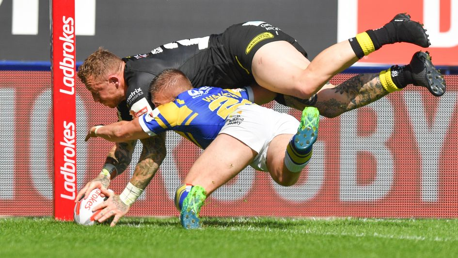 Josh Charnley scores Warrington's second try